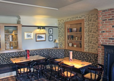 the_waggon_inn_interior_02