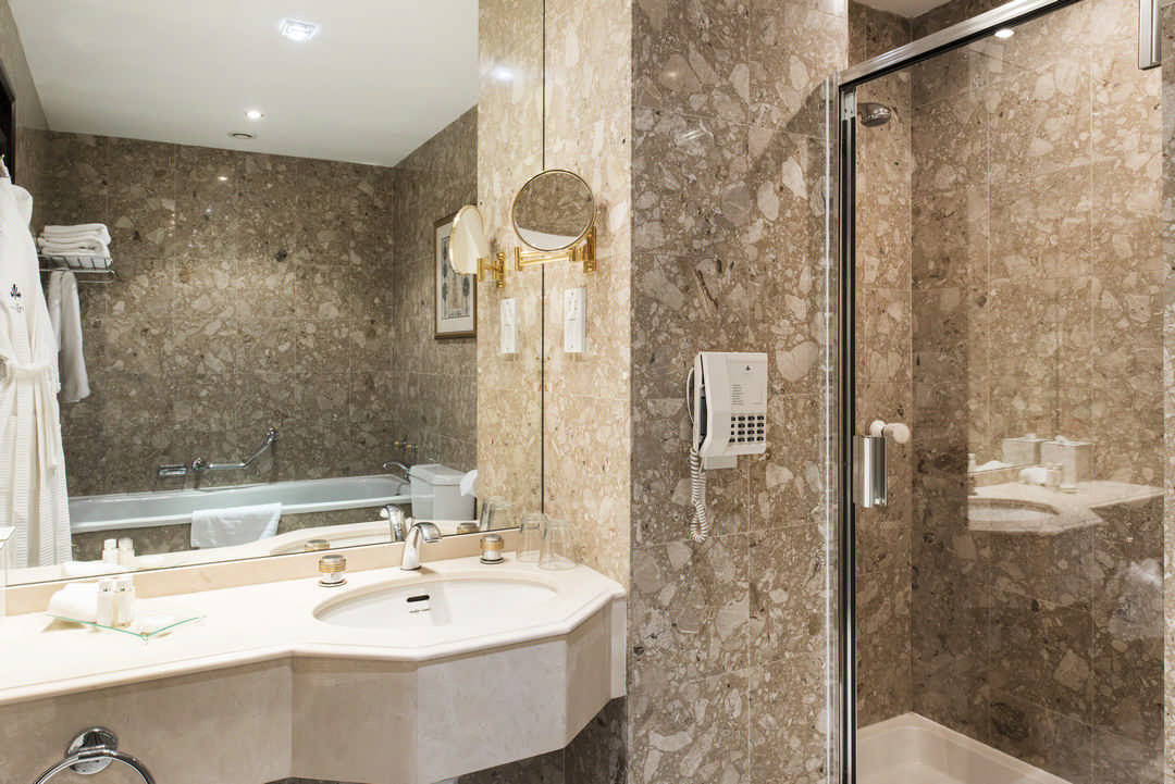 Vermont hotel newcastle upon tyne space i d for Bathroom design jobs newcastle